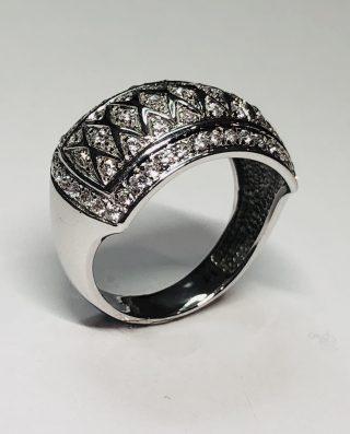 sello de plata y diamantes