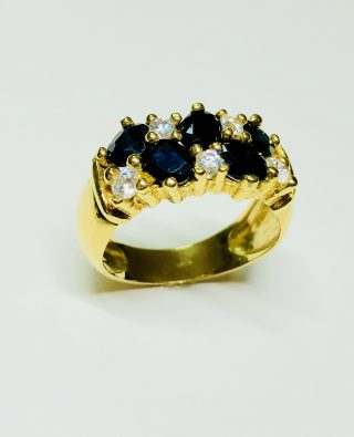 anillo con piedras preciosas